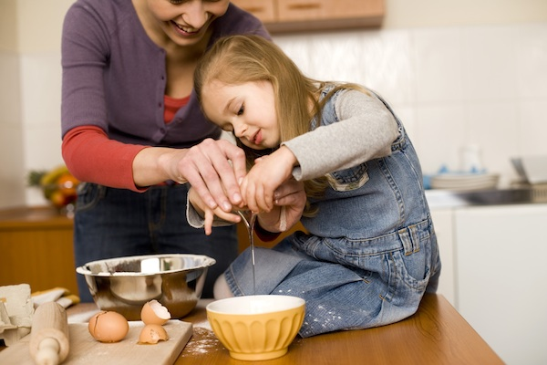 10 tips to increase safety in the kitchen thinking in children